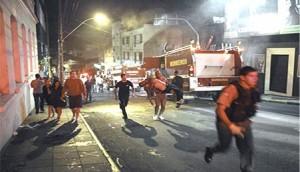 El desconcierto entre los bomberos al comprobar que se trataba de un incendio chico pero letal como ningún otro.