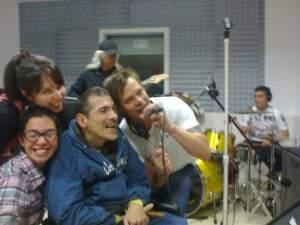 """Carlos Mello, en su programa """"Emociones Rock"""""""