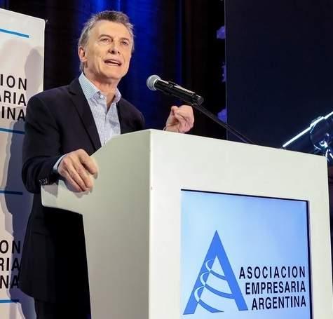 El presidente dejó un fuerte mensaje frete los empresarios reunidos en la reunión de AEA